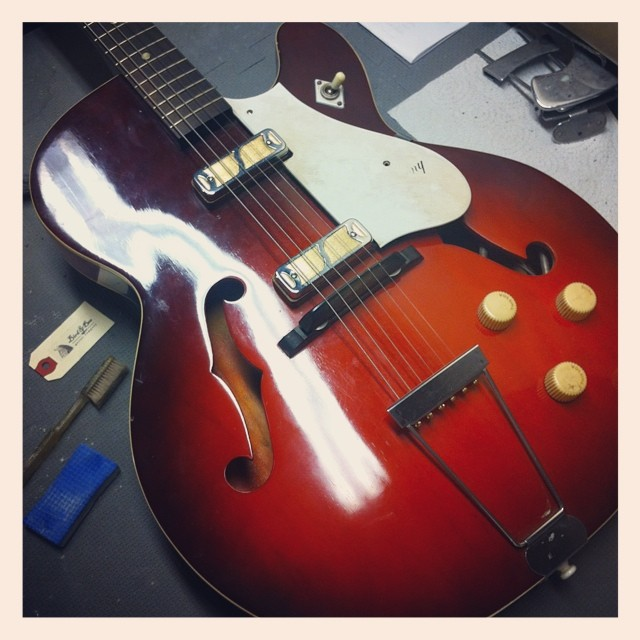 Vintage 1965 Harmony Rocket H54 just came into the shop.  Practically in mint condition and comes with original case. All original parts.  Just needs is a little cleaning. Anyone interested? #vintageguitar #vintage #guitar #harmony #harmonyrocket #guitarrepair #luthier #luthierslife #whatsonyourbench