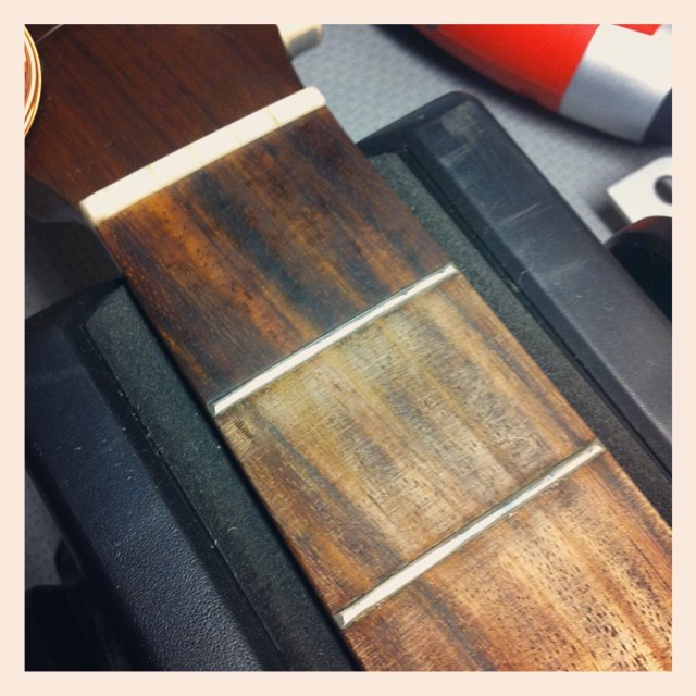 Bringing back this Martin D-15's fretboard back to life... #martinpride #martinguitar #guitar #guitarrepair #whatsonyourbench #luthier #luthierslife #guitarrepair